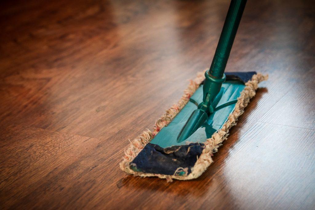 houten vloer schoonmaken