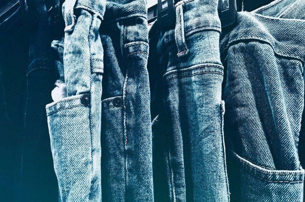 jeansstof soepel maken